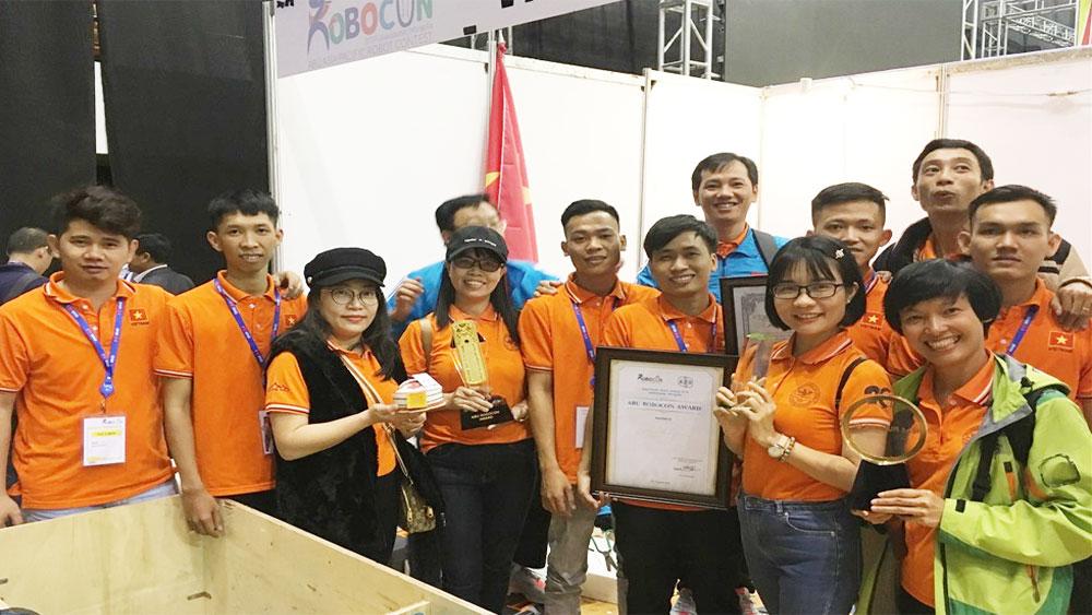 Đội robot Việt Nam xếp hạng 3 tại cuộc thi robot châu Á - Thái Bình Dương